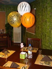Barnyard Birthday theme Box type centerpiece with balloons