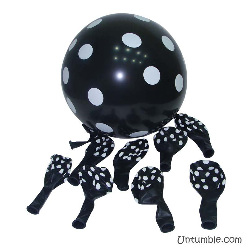 Black & white polka balloons (Pack of 20)