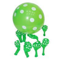 Green & white polka balloons (10) - Barnyard Birthday