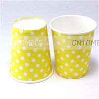 Yello & white polka paper cups